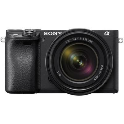 Фотоапарат Sony Alpha A6400 тяло + Обектив Sony E 18-135mm f/3.5-5.6 OSS