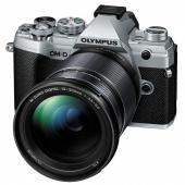 Фотоапарат Olympus OM-D E-M5 Mark III Silver + обектив Olympus M. Zuiko Digital 12-200mm f/3.5-6.3 ED