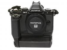 Фотоапарат Olympus OM-D E-M5 Black body + батериен грип оригинален